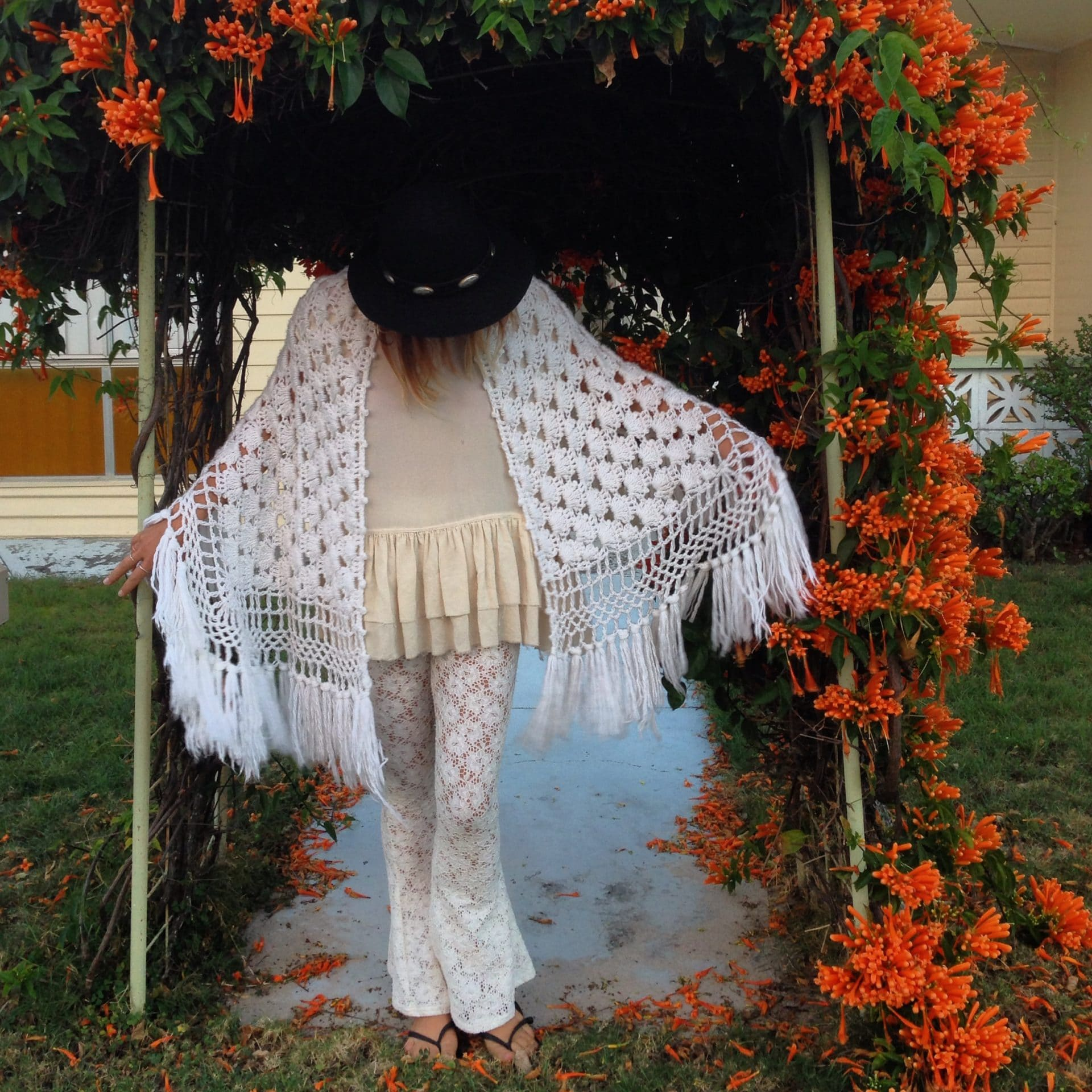 White Vintage Knit Shawl
