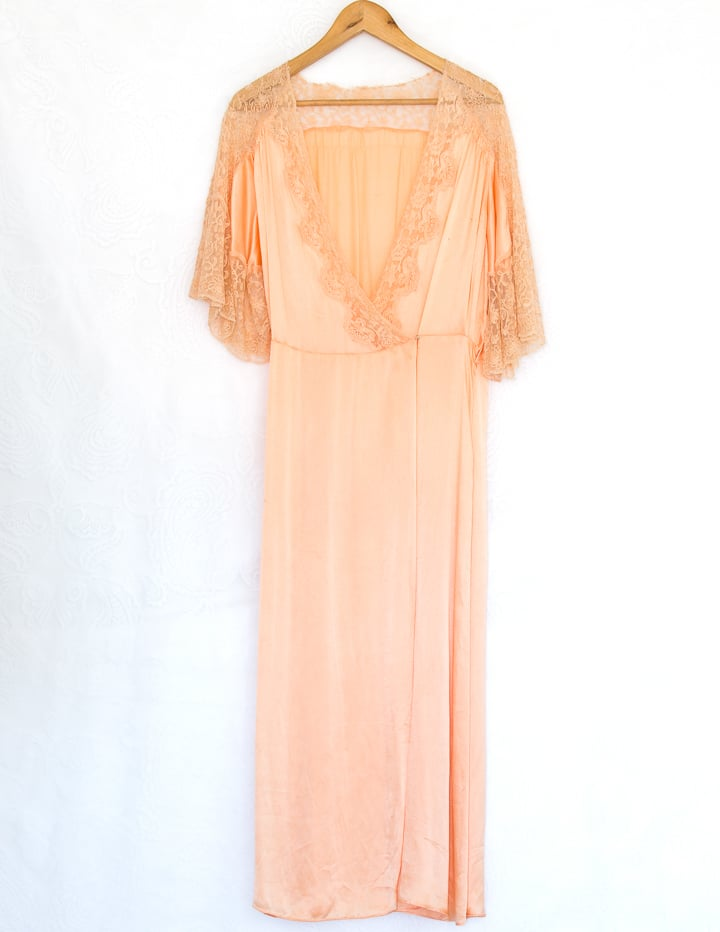 1920's Vintage Silk Peach Gown