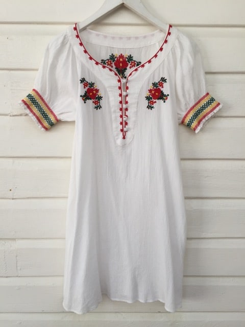 Cheesecloth Style Floral Embroidered Vintage Boho Dress https://www.secondlovesvintage.com/