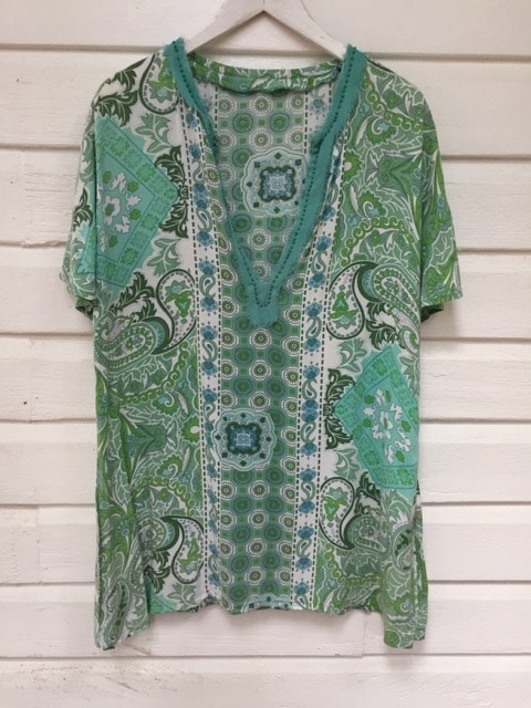 Ocean Greens Paisley Flower Top https://www.secondlovesvintage.com/