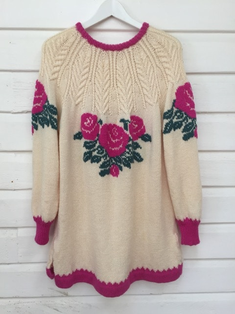Hot Pink Vintage Flower Pattern Knit Jumper https://www.secondlovesvintage.com/