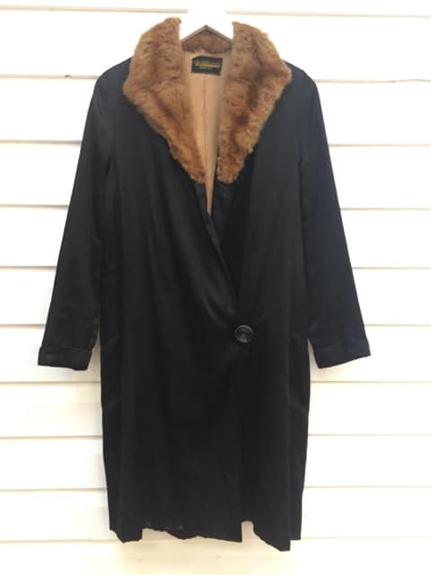 1920's Waldmans New York Vintage Coat https://www.secondlovesvintage.com/